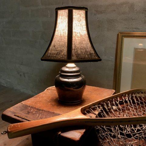 Svart bordlampa med tygskärm Retrolux antik