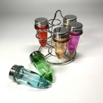 Kryddställ 1950-tal i färgade pressglas